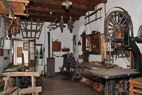 dorfmuseum moenchhof sehenswuerdigkeit ausflugsziel neusiedlersee burgenland
